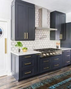 Uplifting Kitchen Remodeling Choosing Your New Kitchen Cabinets Ideas. Delightful Kitchen Remodeling Choosing Your New Kitchen Cabinets Ideas. Kitchen Ikea, White Kitchen Cabinets, Kitchen Redo, Navy Cabinets, Kitchen White, Upper Cabinets, Kitchen Floor, Country Kitchen, Shaker Cabinets