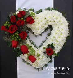 Bespoke floral designs including: wedding flowers, event flowers, corporate flowers and funeral tributes. Flowers delivered to East Cornwall, West Devon, South Hams and Plymouth areas Grave Flowers, Cemetery Flowers, Funeral Flowers, Wedding Flowers, Funeral Floral Arrangements, Funeral Sprays, Corporate Flowers, Memorial Flowers, Sympathy Flowers