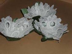 Resultado de imagem para caixinha de tecido para docinhos de casamento