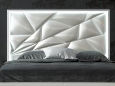 Upholstered and lacquered headboard with led lighting. Bedroom Closet Design, Glam Bedroom, Corner Sofa Design, Bed Design, Bedroom Furniture Sets, Bedroom Sets, Sofa Cumbed, Diy Headboards, Luz Led