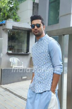 Vicky Kaushal celebrates Diwali at Karan Johar's residence! - Vicky Kaushal celebrates Diwali at Karan Johar's residence! Sherwani For Men Wedding, Wedding Dresses Men Indian, Wedding Dress Men, Wedding Men, Sherwani Groom, Dream Wedding, Mens Indian Wear, Indian Groom Wear, Indian Men Fashion