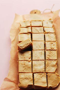 Healthy, 4-Ingredient Peanut Butter Fudge