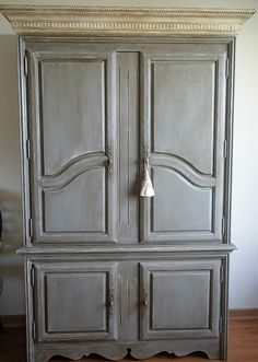 ASCP - French Linen & Old White Buffet with clear and dark wax