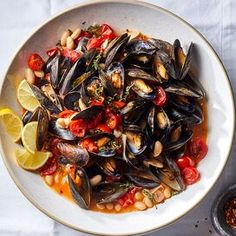 Seafood Recipes, Dinner Recipes, Fish Recipes, Yummy Recipes, Cooking Mussels, Seafood Dinner, Dinner Meal, Roasted Salmon, Cooking