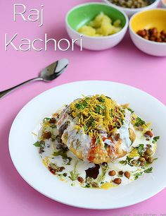 Raj Kachori recipe - A royal treat to all chaat lovers! Must try recipe!