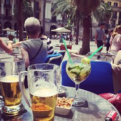Having a drink in Barcelona, beer & mojito