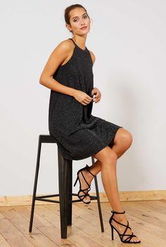 f75d61d0c1c1a Tenue de fête à petit prix   robe brillante + sandales noires à brides  croisées – Taaora – Blog Mode