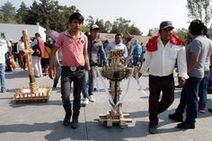 Albañiles cargan su cruz con bajos salarios y sin prestaciones