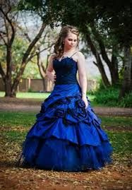 Geraldene's Matric Dance (prom, high school, matric farewell, senior year, royal blue gown with black lace) - photo by Anneli Strecker Homecoming Dresses For Freshman, Dresses For Graduation Ceremony, Junior Prom Dresses, Cheap Homecoming Dresses, Prom Dresses For Teens, Teen Dance Dresses, Matric Farewell Dresses, Promotion Dresses, Dress Attire