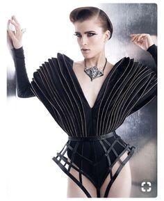 avant garde fashion // Lika N… Sculptural Fashion – layered 3d Fashion, Fashion Mode, Fashion Story, Dark Fashion, Editorial Fashion, Trendy Fashion, High Fashion, Fashion Beauty, Womens Fashion