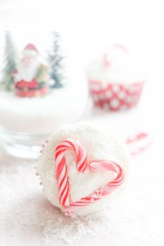 Recipe for Christmas Coconut Candy Cane Cupcakes   FlavoursandFrosting