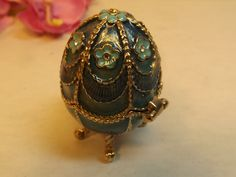 Monet Green / Blue footed Egg Trinket Box with 8 sparkling rhinestones.Brass decoration Ring gift holder, Easter, Pill box by RetroBuy on Etsy
