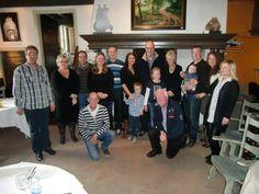 Familiefoto tgv de verjaardag van Michelle Planjer op 26-02-2012 in hun restaurant De Ceulse Kaar in Boxtel. Haar partner A.C.F. (Freddy) Verweij draagt hun zoontje Floris (01-10-2011)