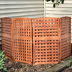 Outdoor privacy screen to hide garbage thinking about for Outdoor privacy screen on wheels