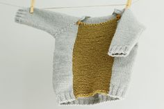 Hand Knit Baby Sweater Color Blocked Baby Sweater por LalaKa