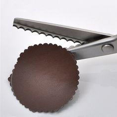 3 мм Дуги Ножницы Зигзаг Ножницы Вышивание Ткань Leather Craft пошив обивки  портной для зиг заг инструмент купить на AliExpress 0c9b0ff03f4