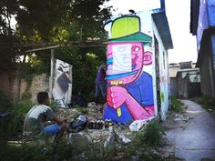 Eu não sei se o grafiteiro cariocaBruno Life pensou sobre isso, mas para mim as pinturas dele são como se os desenhos de uma história em quadrinhos saltas