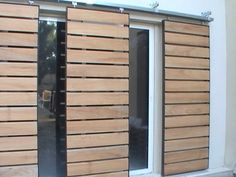 Idea: make sliding shutters Though age-old within idea, your pergola has become Gate Design, Door Design, Exterior Design, House Design, Exterior Remodel, Exterior Doors, Shutter Designs, Casa Loft, Shutter Doors