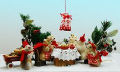https://flic.kr/p/dJehwo | La Fête des Rois | My Steiff Mice were especially pleased that the set arrived just in time for them to serve tea with their Galette des Rois.