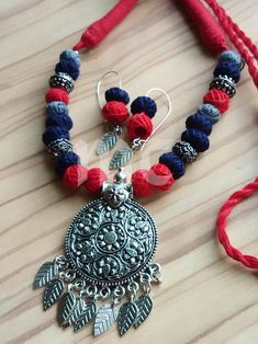 is presenting oxsidised jewelry with the thread bead jewellery in and with and for Style and and Jewelry Crafts, Jewelry Art, Silver Jewelry, Flower Jewelry, Thread Jewellery, Fabric Jewelry, Fashion Jewellery, Handmade Necklaces