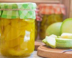 Recette de Pickles de courgettes Mango, Jar, Fruit, Food, Vinegar, Gourds, Glass Jars, Preserves, Healthy Recipes