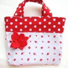 DIY, quick and cute reversible bag for small girls.