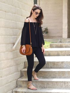 FUTURE FIX IDEA: I like this style of off-the-shoulder top, plus the basic black color Chic Black Outfits, Classy Outfits, Casual Outfits, Cute Outfits, Fashion Outfits, Spring Summer Fashion, Spring Outfits, Autumn Fashion, Off The Shoulder Top Outfit