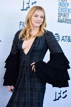 TheFappening Chloe Grace Moretz showed Tits at the Film Independent Spirit Awards. Chloe Moretz appeared at the event in a dress with a deep cleavage, which did Beautiful Celebrities, Gorgeous Women, Chloë Grace Moretz, Hollywood Heroines, Laura Marano, Jolie Photo, Hot Actresses, Fashion Models, Nice Dresses
