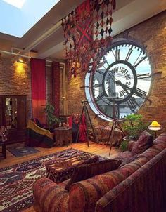 Giant clock window in a Brooklyn loft. Love the giant clock! Casa Steampunk, Steampunk Interior, Steampunk Bedroom, Steampunk Furniture, Steampunk Home Decor, Steampunk Crafts, Steampunk Gadgets, Steampunk Clock, Steampunk Men