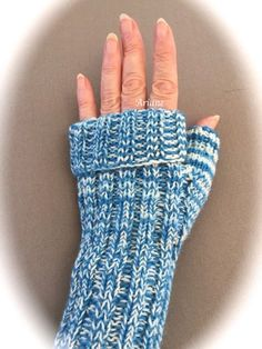 Knitting Patterns Gloves , , , which I need to read for my charity action here. Since I have nothing in the Inet … Knitted Gloves, Fingerless Gloves, Arm Warmers, Crochet Projects, Ravelry, Charity, Knitting Patterns, Knit Crochet, Fiber