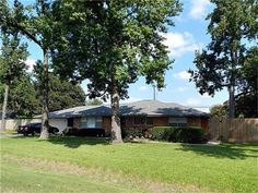 Another BINGLEWOOD beauty. classic ranch home with a pool. great fro building a CASITA. Spring Branch, Houston, Home And Family, Building, Classic, Plants, Beauty, Construction, Derby