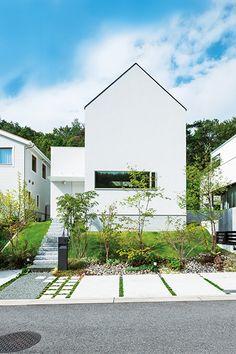 デザインも間取りもシンプルに。家族がつながる白い家