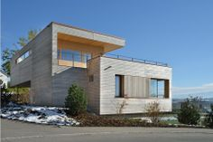 CHALET ECOSOSTENIBILE. Location: Weinfelden, Cantone Turgovia, Suisse; firm: studio kM Architektur.