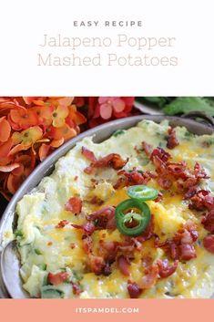 Jalapeno Popper Mashed Potatoes | Yummy baked jalapeno popper mashed potatoes that are sure to WOW! #potatoes #jalapenopopper Jalapeno Recipes, Mashed Potato Recipes, Mashed Potatoes, Cheap Vegetarian Meals, Vegetarian Recipes, Veggie Side Dishes, Side Dishes Easy, Quick Dinner Recipes, Quick Easy Meals