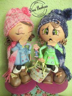 Fofucha Luna y Leila - Patrones gratis Foam Crafts, Diy And Crafts, Crafts For Kids, Arts And Crafts, Doll Face Paint, Homemade Dolls, Coloring Book Art, Cute Eyes, Clay Ornaments