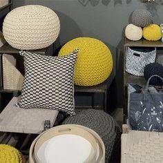 Pouf en coton tricoté main Jardin d'Ulysse - jaune