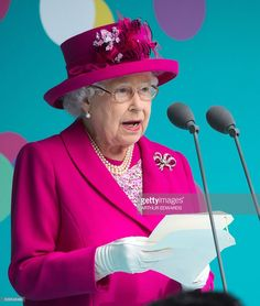 Britain's Queen Elizabeth II makes a speech as she attends the Patron's Lunch on the Mall, an event to mark her official 90th birthday in London on June 12, 2016. / AFP / POOL / Arthur Edwards (Photo credit should read ARTHUR EDWARDS/AFP/Getty Images)