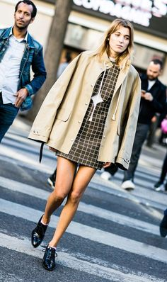 mini dresses and flat shoes, street style