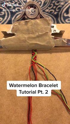 Homemade Bracelets, Diy Bracelets Easy, Bracelet Crafts, Cute Bracelets, Diy Friendship Bracelets Tutorial, Diy Friendship Bracelets Patterns, Bracelet Tutorial, Macrame Tutorial, Diy Bracelets Patterns