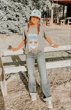 Casual Country Outfits, Cute Cowgirl Outfits, Western Outfits Women, Southern Outfits, Rodeo Outfits, Cute Comfy Outfits, Simple Outfits, Teen Fashion Outfits, New Outfits