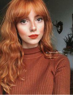 Im really thinking about bangs. Hair Color Auburn, Auburn Hair, Hairstyles With Bangs, Pretty Hairstyles, Ginger Hair Dyed, Beautiful Red Hair, Strawberry Blonde Hair, Copper Hair, Dream Hair