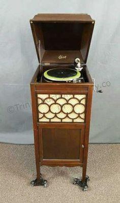 Nipperhead Antique Phonograph Site (Victor Victrola, Edison ...
