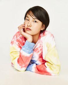 Image 6 of TIE-DYE SWEATSHIRT from Zara