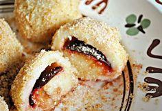 Klasszikus szilvás gombóc Hungarian Desserts, Hungarian Cuisine, European Cuisine, Hungarian Recipes, Hungarian Food, Fun Cooking, Cooking Recipes, Meatless Recipes, Homemade Sweets