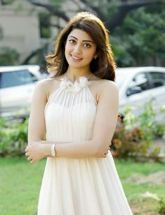 An Indian Film Actress Pranitha Celebrating Her Birthday. Chennai Ungal Kaiyil Wishing You a Happy Birthday! Indian Film Actress, Beautiful Indian Actress, Indian Actresses, Diana Penty, South Actress, Bridesmaid Dresses, Wedding Dresses, Actress Photos, Indian Beauty