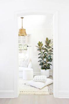 Top Home Interior Design Interior Design Inspiration, Home Decor Inspiration, Home Interior Design, Decor Ideas, Design Interiors, Home Living, Living Spaces, Living Room, Faux Philodendron