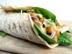 Wraps met spinazie, kikkererwten en avocado
