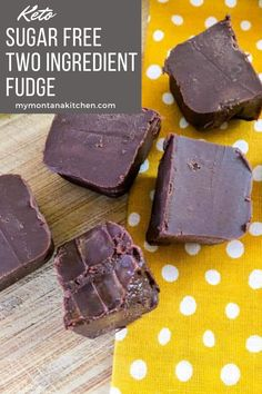 An easy, 2 ingredient fudge recipe that is perfect for the Holidays! Honestly, no one will ever know that this is not full of sugar and carbs! #twoingredientfudge #ketofudge #keto #sugarfree #lowcarb Sugar Free Fudge, Sugar Free Desserts, Sugar Free Recipes, Low Carb Desserts, Low Carb Recipes, Stevia Recipes, Banting Recipes, Healthy Fudge, Healthy Chocolate Desserts