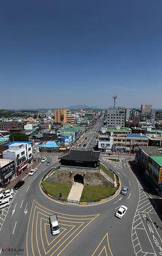 Joyangmun Gate, Hongjuseong Fortres in Chungcheongnam-do, Korea