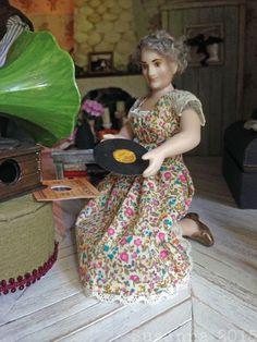 Elämää koossa 1:12: Arsenikkia ja vanhoja pitsejä... Dolls, Baby Dolls, Doll